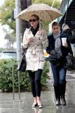 Nicky Hilton - Страница 2 Th_10947_celebrity-paradise.com-The_Elder-Nicky_Hilton_2010-01-22_-_shopping_in_Beverly_Hills_122_35lo