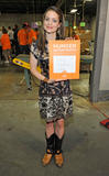 Кимберли Уильямс-Пэйсли, фото 2. Kimberly Williams-Paisley Kicks Off Feeding America's Hunger Action Month in Nashville, Tennessee - Sept 1, 2010, photo 2