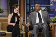 http://img233.imagevenue.com/loc98/th_014004857_Evangeline_Lilly_Appearing_on_The_Tonight_Show_with_Jay_Leno21_122_98lo.jpg